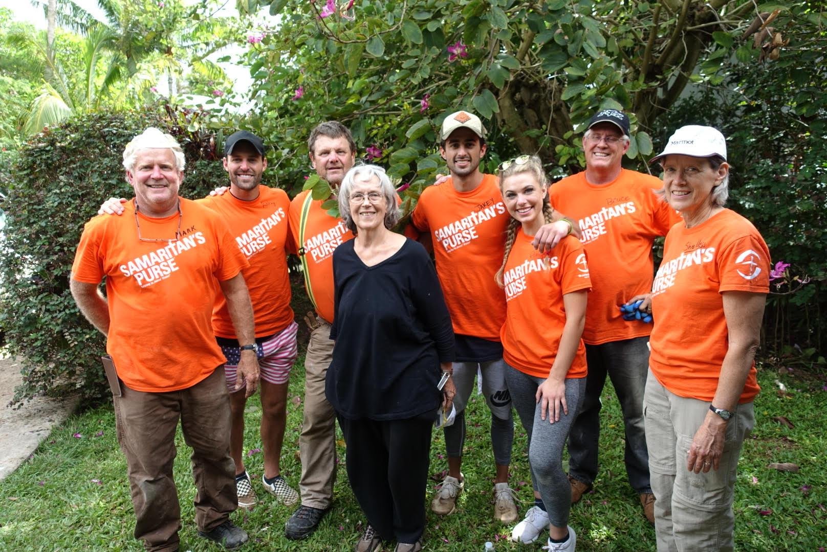 Group Picture of Samaritan's Purse Volunteers